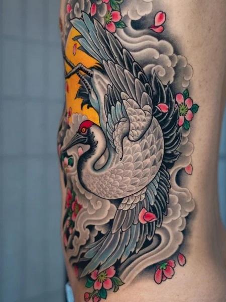 Tatouage d'une grue japonaise