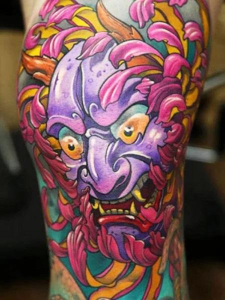 Tatouage japonais en violet