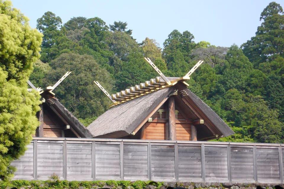 Photo prise par N. Yotarou du sanctuaire principal du Grand sanctuaire d'Ise